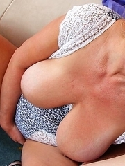 This mature slut loves to suck and fuck a younger man
