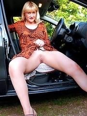 Nude mature women, amateur homemade content