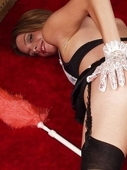 Housemaid Winona loves flashing her twat